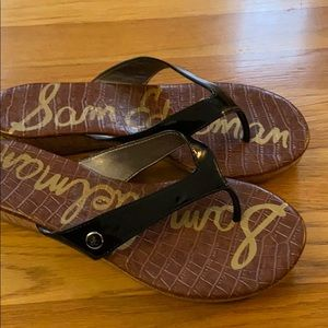Patent leather thong Sandals